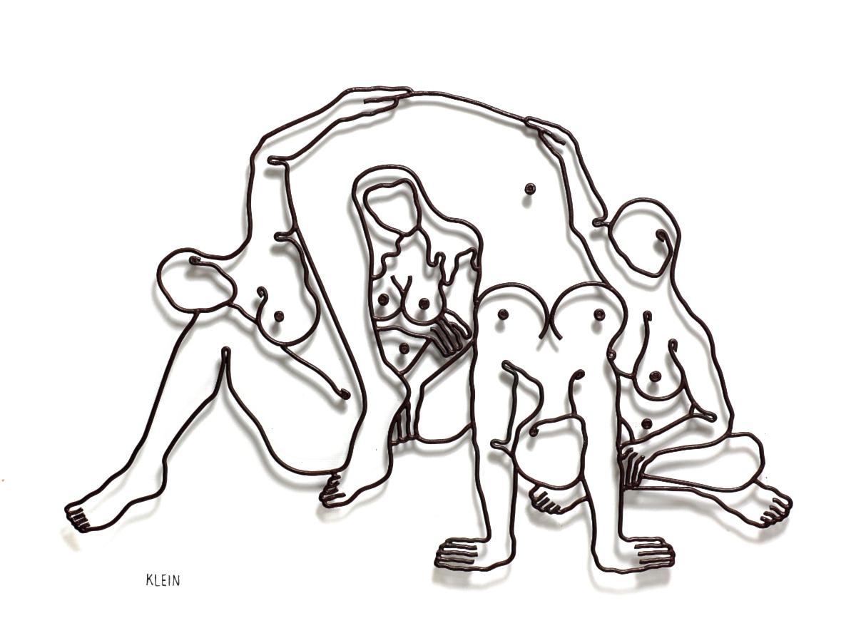 """4 נשים - 110/80 ס""""מ"""